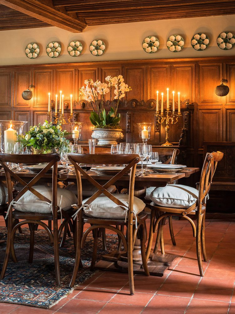 Candle lit dining room at Battel Hall. Interior design & styling by Rowan Plowden Design.