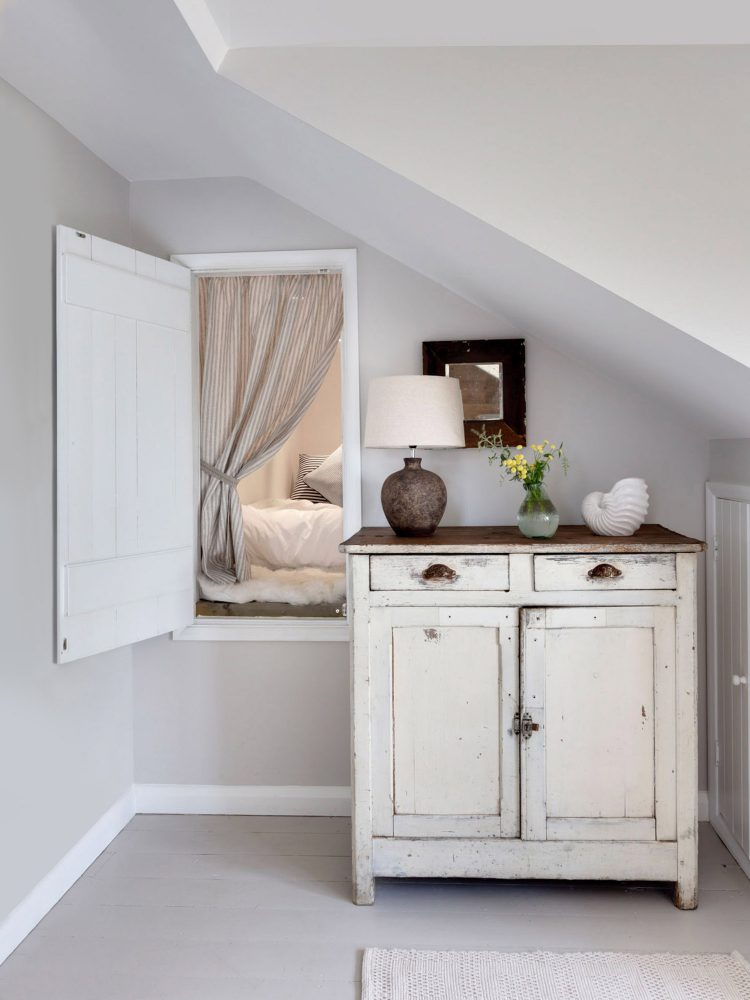 The hidden bedroom at Field View beach house. Interior design & styling by Rowan Plowden Design.